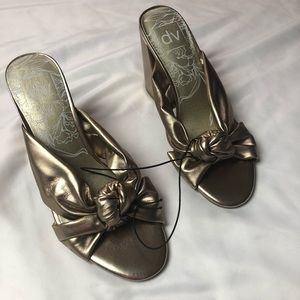 Dolce vita rose gold metallic knotted mules